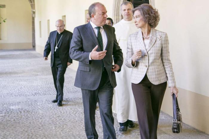 La Reina inaugura, junto al presidente Monago, las obras de accesibilidad del Real Monasterio de Yuste