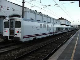 Los dos trenes diarios que unen Cáceres y Valencia de Alcántara dejarán de circular los martes desde el domingo