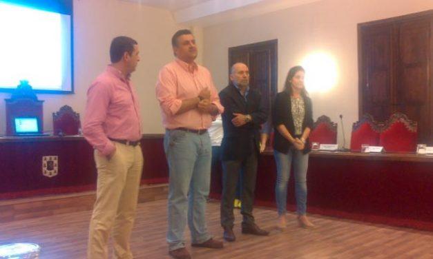 """ASECOC presenta un """"lip dub"""" en el que participan más de 100 empresarios locales de Coria"""