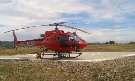 Valencia de Alcántara ya cuenta con un helicóptero de transporte y extinción de incendios del Plan Infoex