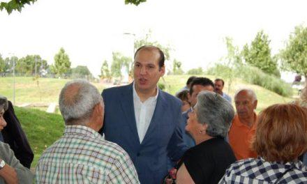 Hernández Carrón apoya el compromiso del Ejecutivo con los discapacitados y mayores en Moraleja