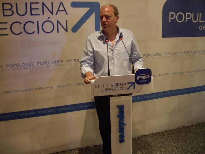 """Monago destaca que la tendencia hacia la recuperación """"no se puede empañar"""""""