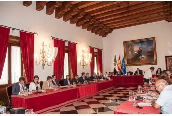 Diputación concede 300.000 euros a 41 localidades de la provincia para la adquisición de equipamiento municipal