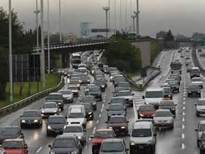 Tráfico hará más de 4.000 pruebas de alcohol y drogas a conductores durante la próxima semana