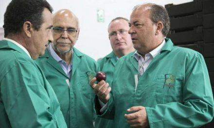 Monago anuncia un convenio de colaboración con entidades financieras para dar dinero al sector productor