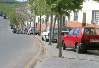Solo uno de cada cuatro vehículos censados en Badajoz capital dispone de plaza de garaje