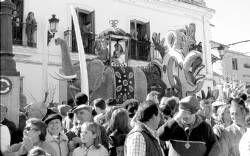 La carroza El mar y los delfines gana el concurso en la romería de la Virgen de Piedraescrita de Campanario