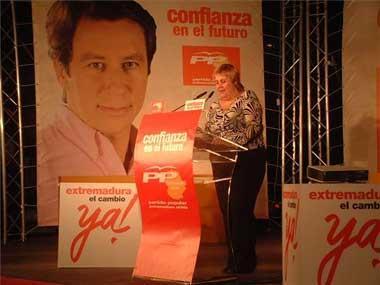 La candidata del PP en Almendralejo, Ana Sánchez, cree injusto que la expulsen del Partido Popular