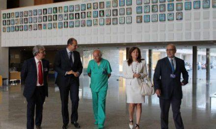 """Carrón afirma que el Gobierno trabaja para convertir el Hospital de Cáceres en """"una referencia"""""""