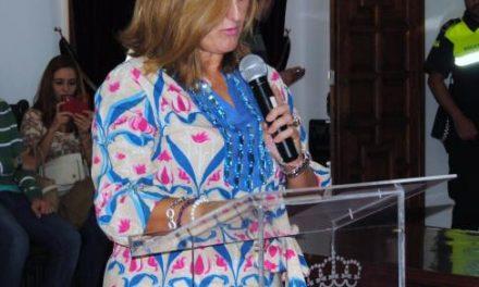 Joaquina Antúnez toma posesión de su acta de concejal en el Ayuntamiento de Valencia de Alcántara
