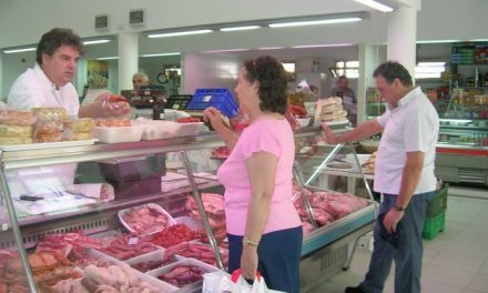 El Consejo de Gobierno analizará reducir la apertura comercial  en Badajoz, Cáceres, Mérida y Moraleja