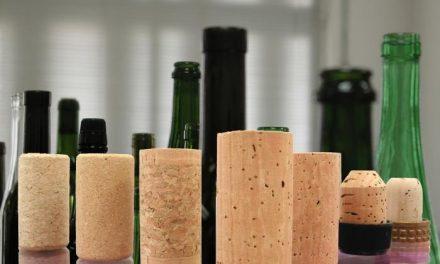 Asecor prevé una mejora del sector del corcho extremeño con la exportación de vino a países emergentes