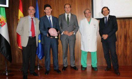 Extremadura presenta un simulador facial único en el mundo para la formación de cirujanos maxilofaciales