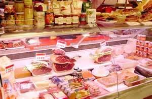 El Ayuntamiento de Coria remodela el mercado de abastos para crear nuevas oportunidades de negocio