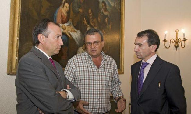 """Diputación y CHT trasladan a Vegaviana su """"compromiso firme"""" en el arreglo de dos carreteras de la localidad"""