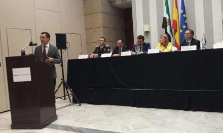 El Gobierno de Extremadura organiza el primer acto público para condecorar a 300 policías  de la región
