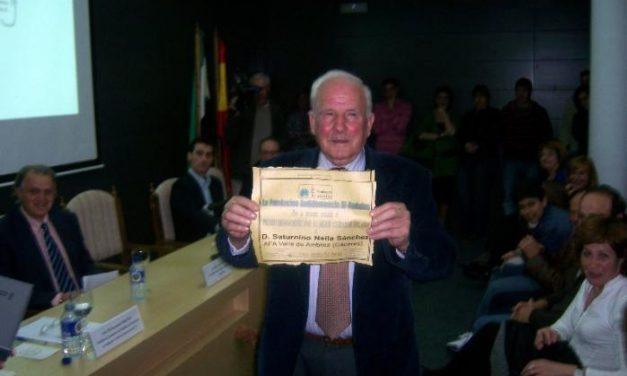 Saturnino Neila, de 78 años y vecino de Hervás, recibe el premio iberoamericano como cuidador del año 2007