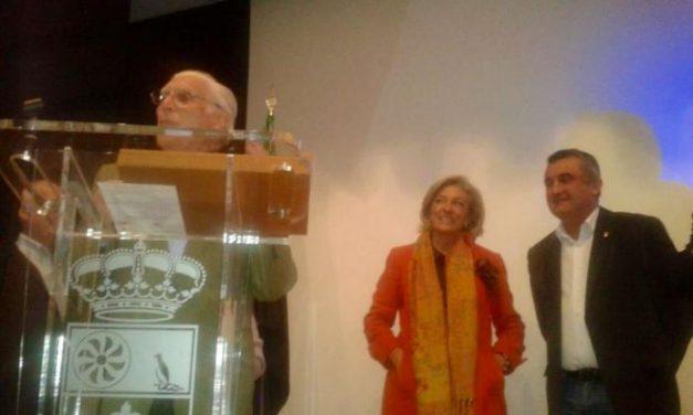 Cristina Herrera alaba la labor de los mayores voluntarios y destaca su participación social