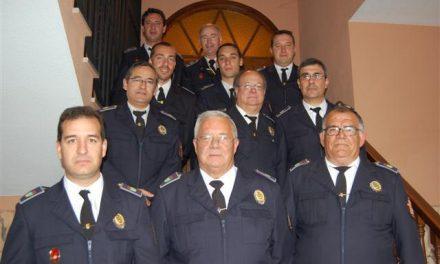 La Policía Local de Talayuela festeja a su patrón y homenajea a dos agentes que pasan a la segunda actividad