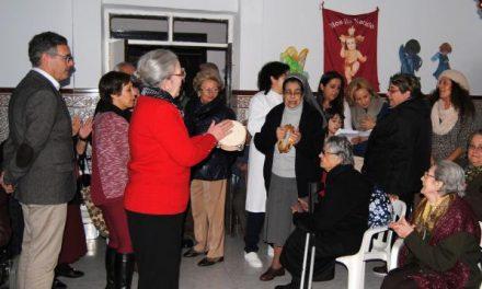 El equipo de Gobierno de Valencia de Alcántara visita a los ancianos de las residencias de la localidad