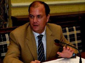 José Antonio Monago sustituye a Carlos Floriano y es designado senador del PP por Extremadura