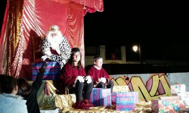 Una avería en una de las carrozas retrasa 25 minutos la cabalgata de los Reyes Magos en Moraleja