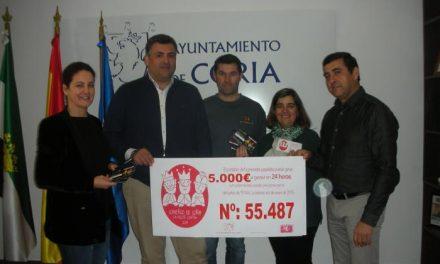 """El cheque regalo de 5.000 euros de la campaña """"Coria, comercio y vida"""" recae en Rocío Granado"""