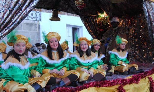 Sus Majestades de Oriente llenan de ilusión y magia las calles de Valencia de Alcántara