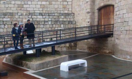 El Ayuntamiento de Coria y Adesval invierten 80.000 euros en el foso del Castillo de los Duques de Alba