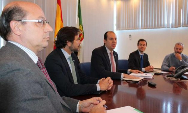 Hernández Carrón se reúne con la Comisión Fármaco-Terapéutica de la Hepatitis C para recabar sus propuestas