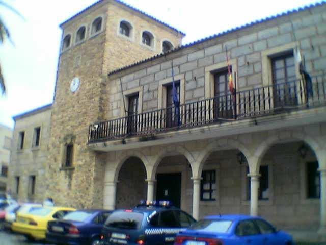 El Ayuntamiento de Coria convoca siete plazas para los trabajos de reforma del mercado de abastos