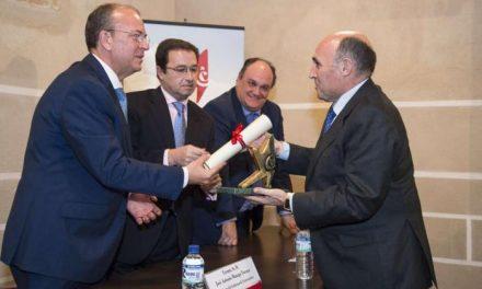 Monago destaca el papel fundamental de los empresarios en la recuperación económica