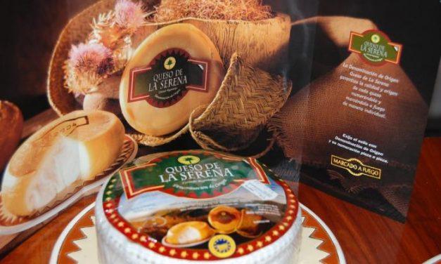 """""""Queso de la Serena"""" promociona sus tortas en el Festival del Queso, el Pan y el Vino de Palmela (Portugal)"""