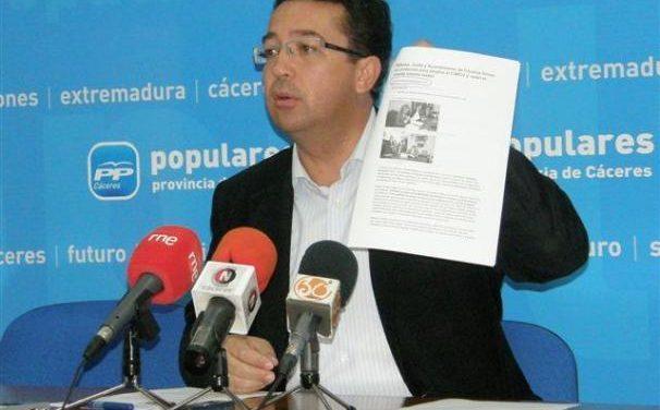 Manzano reitera en Cachorrilla el valor de los ayuntamientos para la recuperación regional