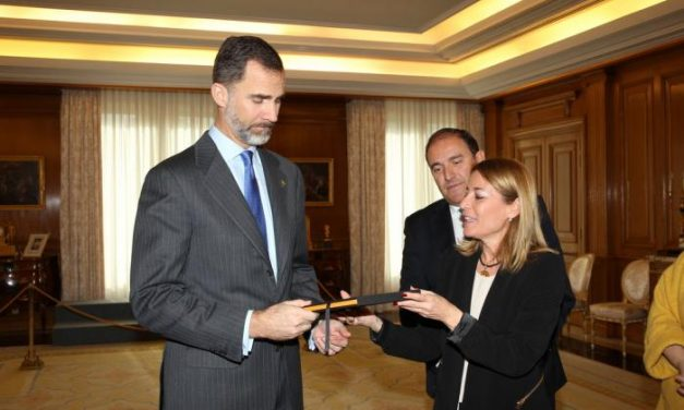 Felipe VI recibe a la alcaldesa de Cáceres y al Grupo de Ciudades Patrimonio de la Humanidad