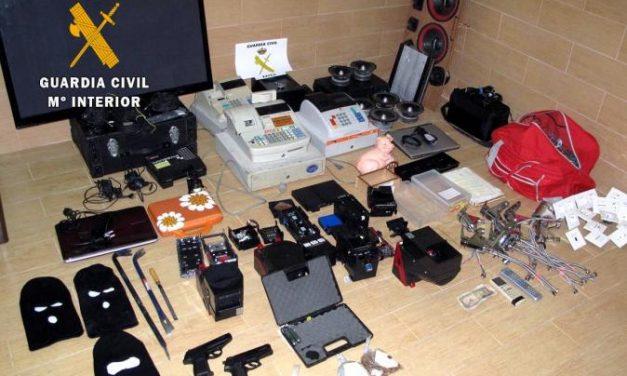 La Guardia Civil de Zafra desmantela un grupo delictivo dedicado al robo en establecimientos públicos
