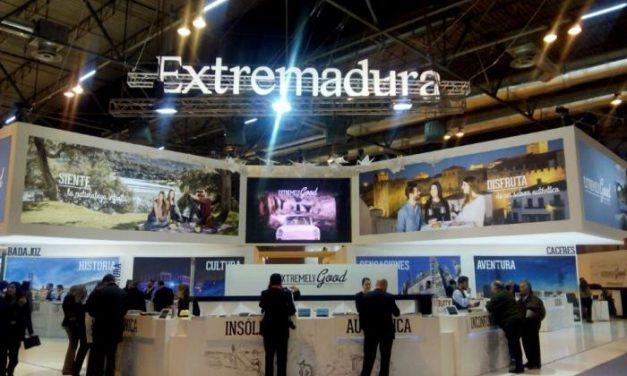 """Fernando Manzano reitera que """"Extremadura se ha convertido en referente del turismo de interior"""""""