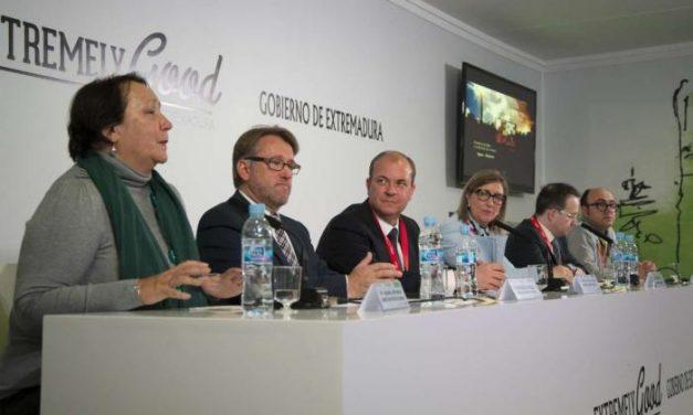 Monago presenta en Fitur la Agenda Cultural Única de Extremadura con un total de 130 eventos