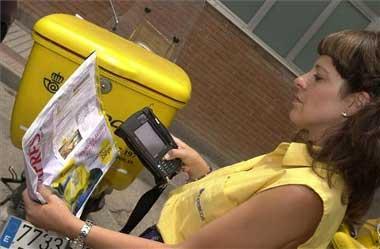 Más de una veintena de carteros de Badajoz usa un sistema PDA para el reparto de las cartas