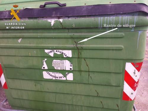 La Guardia Civil detiene a un hombre de 42 años acusado de matar y arrojar dos perros al contenedor