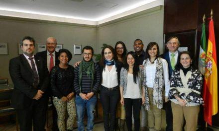 Muñoz recibe a seis estudiantes Iberoamericanos becados por la Agencia de Cooperación Internacional
