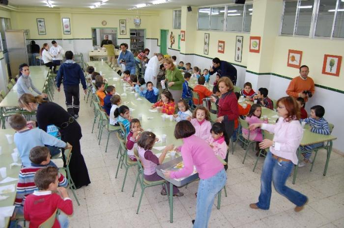 El Colegio Público Cervantes conmemora su XXV aniversario con la actuación de antiguos alumnos
