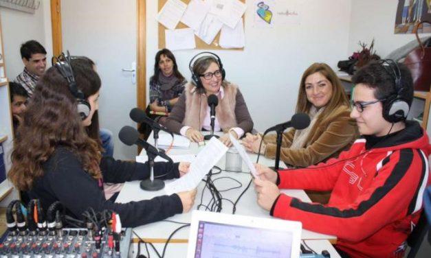 Educación pone en marcha una plataforma que agrupa a una veintena de radios escolares