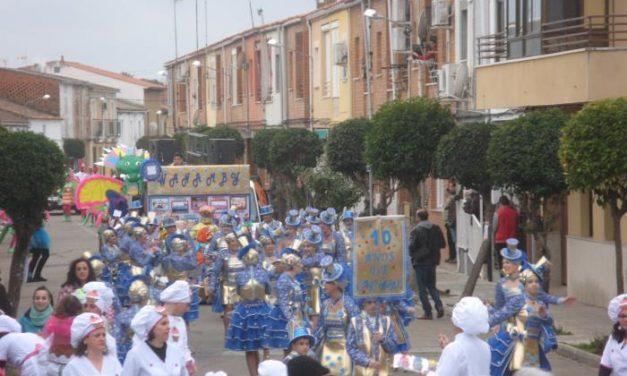 """El grupo """"Wanaby"""" se hace con el primer premio de 1.000 euros del desfile de Carnaval de Moraleja"""