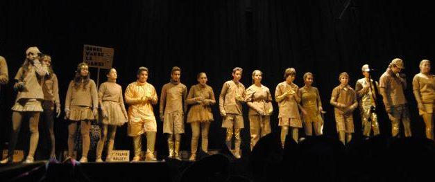 """Los grupos """"Stoy Seko"""" y """"Donde vamos la liamos"""" ganan el certamen de murgas de Valencia de Alcántara"""