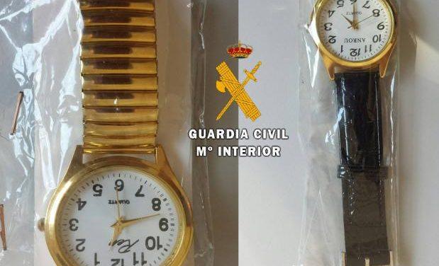 La Guardia Civil reitera la importancia de la campaña de prevención de timos a mayores