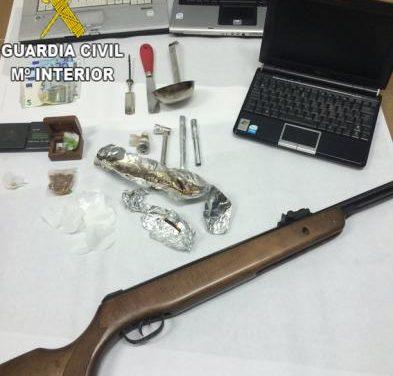 La Guardia Civil erradica un punto de venta de drogas en Coria y detiene a los dos presuntos autores