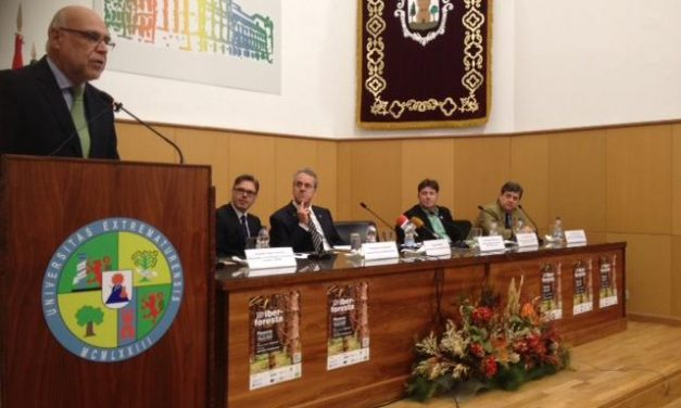 Echávarri resalta en Iberforesta en Plasencia los 47 millones de euros invertidos en materia forestal