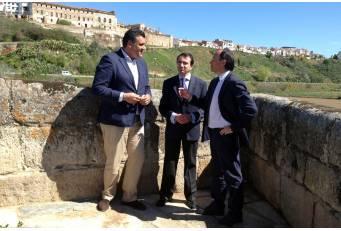 Diputación y CHT invierten más de 230.000 euros en la recuperación ambiental del río Alagón en Coria
