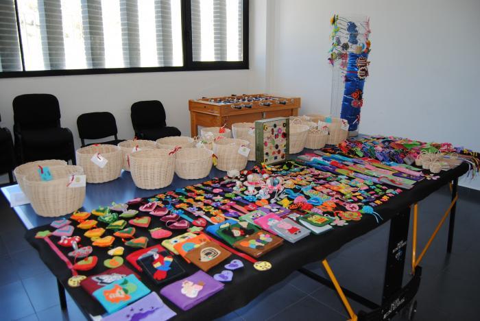 La Asociación de Discapacitados de Sierra de San Pedro recauda 400 euros en su gala benéfica